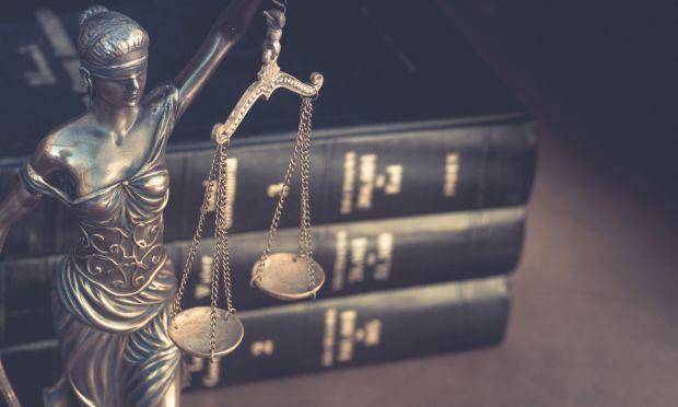 Misure di prevenzione: revoca o modifica delle prescrizioni – competenza funzionale del giudice che ha emesso la misura (Cass. Pen. Sez. I – 39905/18)
